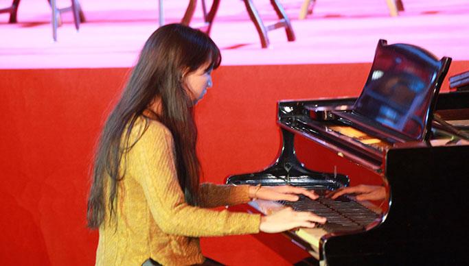 【舒雅教育】钢琴陪练课