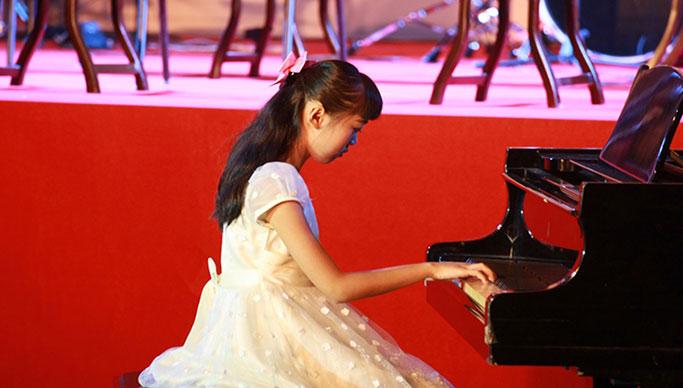 【舒雅教育】钢琴课